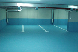 Parkirna mjesta u garaži zgrade Stara veterinarska u Splitskoj ulici u Metkoviću - 12 m2