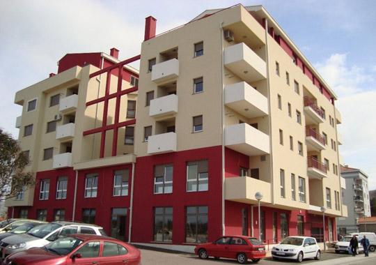 Parkirna mjesta nalaze se u Splitskoj 3/5 u Metkoviću